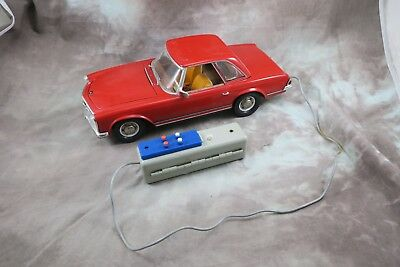 GAMA 380 Mercedes 230 SL Pagode M1:13,5 Auto / Fernlenkauto