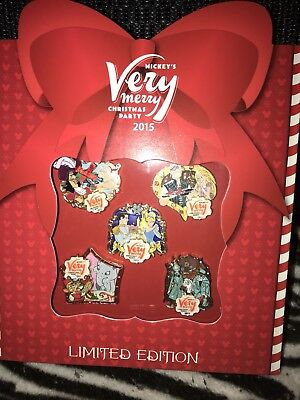 Disney's Mickey's Very Merry CHRISTMAS PARTY 2015 - LE 1000 - 5 Pins Box Set
