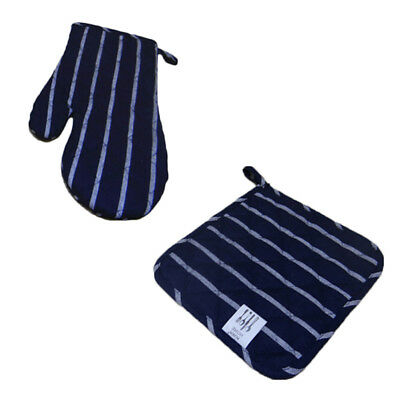 2017 Winter Oven Gloves And Pad Christmas Festival Design Mitts Pot Holders