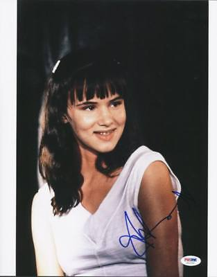 Juliette Lewis Cape Fear Signed Authentic 11X14 Photo Autographed PSA/DNA U52665