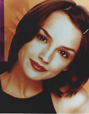 Rachael Leigh Cook 8 X 10 Photo With Ultra Pro Toploader