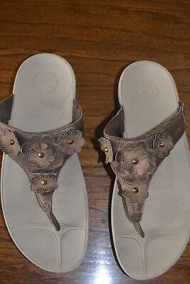 fd0a77ef0 FITFLOP FLEUR COMFORT Thong Sandals Metalic Brown Size 10 -  24.00 ...