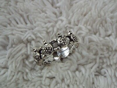 Band of Turtles Ring ~ Size 6 (D35)