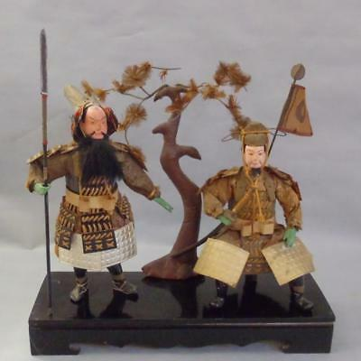 CARVED WOODEN PORTRAIT OF TWO WORIERS IN SUPERB STATE OF PRESERVATION LATE 1800s