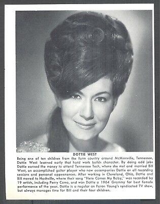 Dottie West, Country Music Star in 1969 Magazine Print Clipping. Free WW S/H