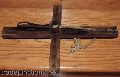 """Antique/vintage """"the Star"""" Wood/cast Iron/rope Carpet Stretcher Old Tool"""