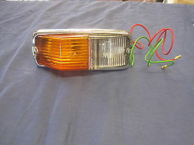 Mg Mgb Or Gt Front Sidelamp Sidelight  Assembly And Two Bulbs 1962 -1974 **f2B