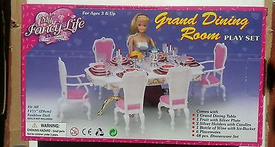 GLORIA Dollhouse FURNITURE SIZE FOR BARBIE GRAND DINING PLAYSET W/Fancy Chairs