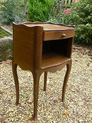 Lovely Vintage French Oak Bedside Lamp Tables Cabinet Ideal Painting Dw/144/o