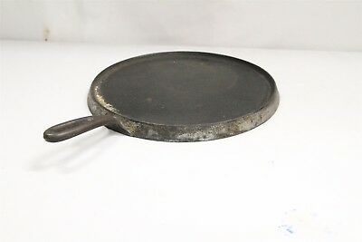 Antique Wagnerware Sydney No 10A Flat Round Handled Griddle Pan Cast Iron