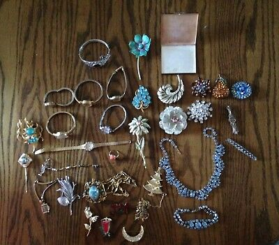 Huge Lot Of Vintage Jewelry -- Watches --  Old -- Gold ?? -- Costume ?? --