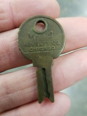 Vintage Mills Novelty Co Slot Machine Vending Key Original