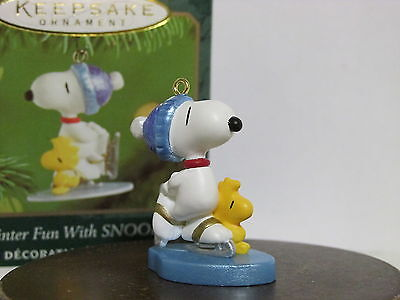 Snoopy Peanuts Charlie Brown Hallmark Christmas Mini Ornament Figurine 2001