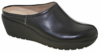 Easy Spirit Women's Jaiva Mules Black Leather