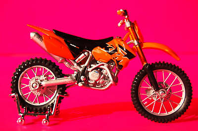 KTM   525 SX   1/18th  MODEL  MOTORCYCLE