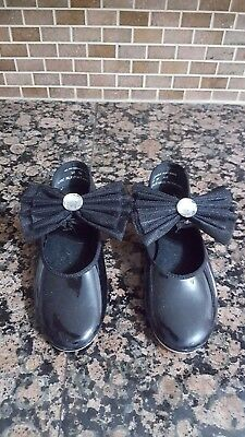 Little Girls Capezio Size 12 Slip On Black Tap Shoes with Jeweled Bow