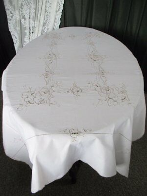 "TABLECLOTH HAND EMBROIDERED MADEIRA EMBROIDERY - 48""x 66"""
