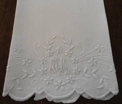 Antique Linen Show Towel Embroidered Flower Wreath Guest Bath White