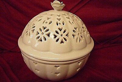 Vintage Authentic Leedsware Creamware Pierced Pot Pourri Lidded Pot~ Rose Knob