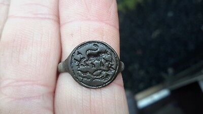 Interesting 1600s Seal Ring With Animals/Flowers