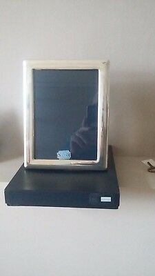 "New/unused &box Beautiful Quality Large 9"" Hallmarked Silver Photo Frame"