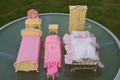 Sindy Bedroom Set - Used But In Good Condition - Everything In Picture Supplied