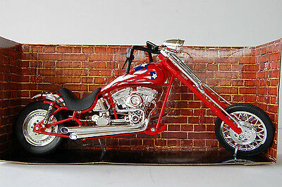 CUSTOM CRUISER  1/12th  MODEL MOTORCYCLE  RED