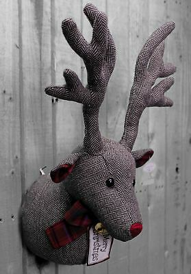 Hanging Deer Stag Head Wall Decoration Merry Christmas Wreath ~ Herringbone