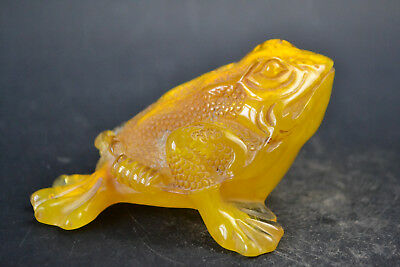 China Myth Culture Collectible Old Amber Resin 3 Leg Myth Rare God Toad Statue