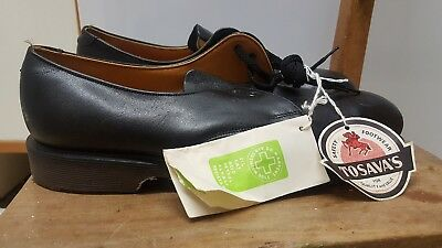 BNWT Tosava's Dr Martens Made in England Leather 2 eyelet Black shoe. Size 8