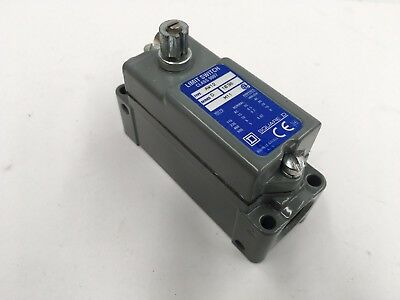 Square D Limit Switch Type  Aw12 Series D 1038 M11