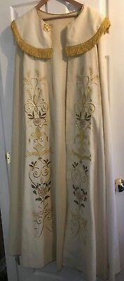 Gorgeous Vintage Catholic Bishops Priests Ivory & Gold Embroidered Cope