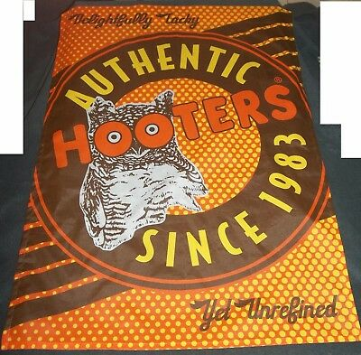 Hooters Sports Bar Large 27 X 37 Cloth Flag / Banner Man Cave Art