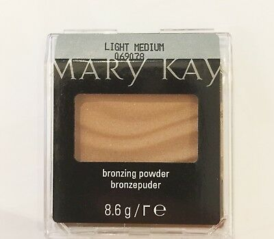 Mary Kay Bronzing Powder Light Medium, 8,6 g