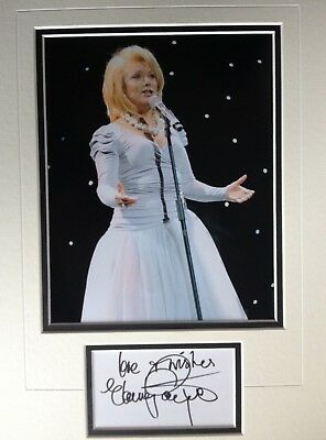 Elaine Paige - Great Singer And Actress - Superb Signed Display