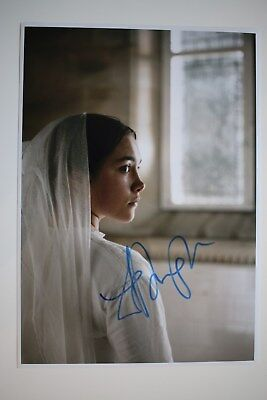 Florence Pugh signed 20x30cm  Lady Macbeth Foto Autogramm / Autograph In Person