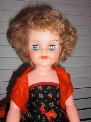 "Horsman ~ Vintage 1950s Vinyl HP 18"" Fashion Doll and 5 Sets Factory Outfits"