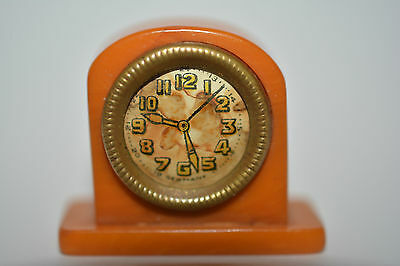 Uhrenminiatur Art Deco Bakelit Butterscotch Uhr Puppenstube Clock Doll miniature