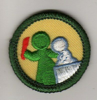 Retired Girl Scouts Junior Badge Patch~2011~Sign of the Satellite Light Green