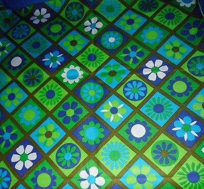 Retro Vintage Floral Sewing Craft Fabric 2 yds blue green white  floral