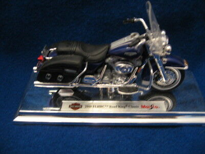 Harley Davidson 2000 FLHRC Road King Classic 1:18 Die Cast Metal Collectible