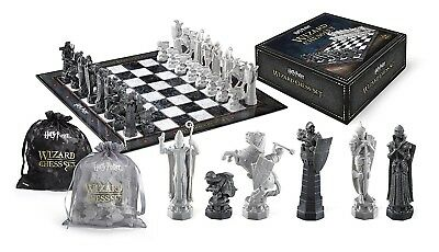 Harry Potter CHESSBOARD 32 Figures CHESS MAGICIANS Noble Collection SET New