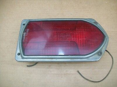 GUIDE R8-53 FIRE ENGINE TRUCK BUS Arrow Tail Turn Signal Brake Lamp Assy 5941611