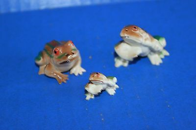 Vintage Family of 3 Mini Plastic Animals Frogs Hong Kong