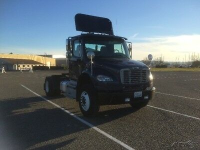 Penske Used Trucks - unit # 637776 - 2012 Freightliner BUSINESS CLASS M2 106