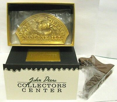 John Deere Collector's Center 1876 Leaping Deere Trademark 2001 Member Medallion