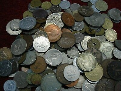 Worldwide / Foreign Coinage Lot - 2 1/2 Pound Lot - Hours Of Fun!!