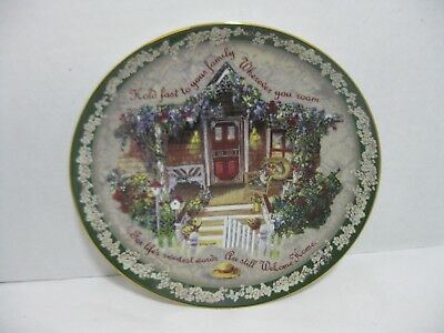 Bradford Exchange Collector Plate Hold Fast to Your Family Glenna Kurz 1998