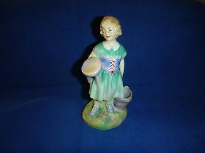 "Vintage Royal Doulton ~ ""my Pretty Maid"" ~ Hn 2064 ~ Porcelain Figurine Statue"