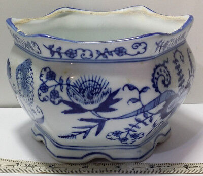 Seymour Mann China Blue Fine Porcelain Collectible Blue & White 6 Sided Planter